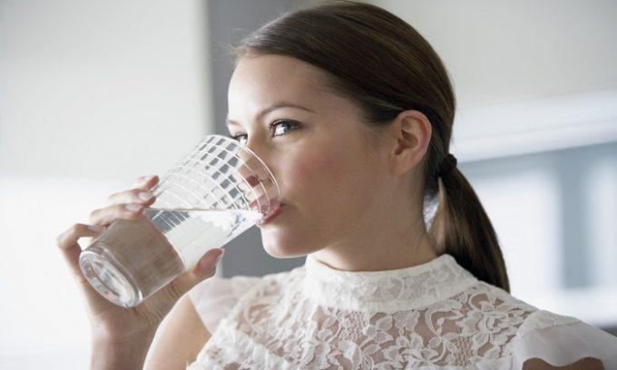 Больным с хроническим панкреатитом важно соблюдать правильный питьевой режим