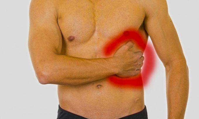 Получение травмы в области подреберья может стать причиной приступа панкреатита