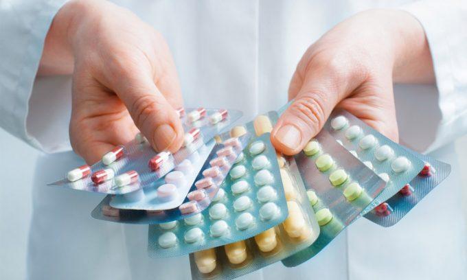 Для того чтобы поддержать орган, назначают прием препаратов, которые заменяют ферменты