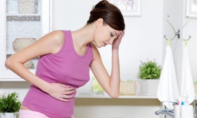 Тошнота и рвота появляются из-за сильного отравления организма