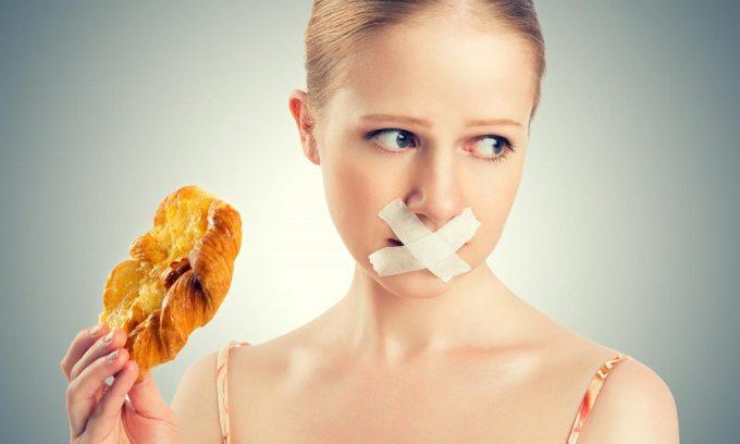 В первые дни обострения панкреатита назначается лечебное голодание