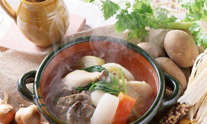Во время обострения панкреатита запрещено есть горячую пищу