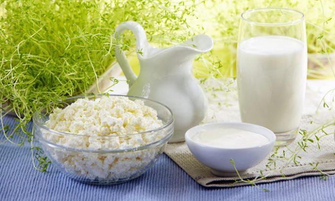 Кисломолочные продукты нужно выбирать с малым процентом жирности