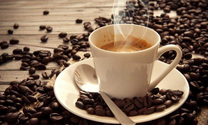 За счет содержания кофеина и хлорогеновых кислот кофе производит негативный эффект на поджелудочную железу