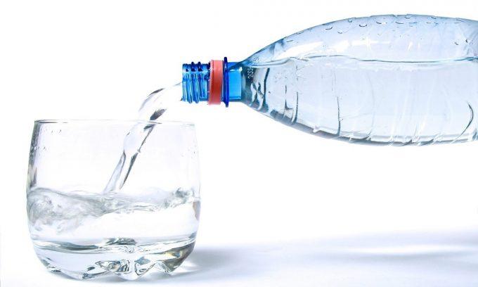 Минеральная вода уменьшает боли при обострениях панкреатита и облегчает пищеварение