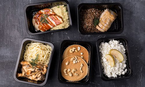 Несмотря на то, что больным панкреатитом и гастритом приходится исключать ряд продуктов из своего рациона, приготовить вкусные блюда не так сложно. Помощь в составлении меню окажет лечащий врач